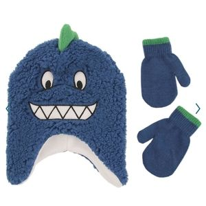 Monster hat and gloves